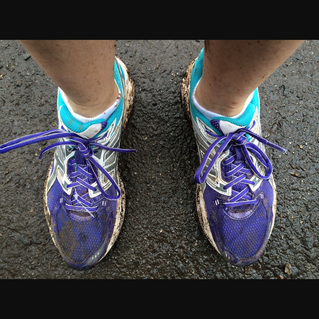 how to clean muddy trail running shoes